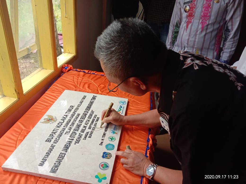 Bupati dan Masyarakat Dangia Deklarasikan Stop BAB Sembarangan